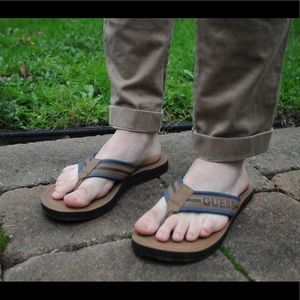 Guess flip flops, men's size 10-10.5